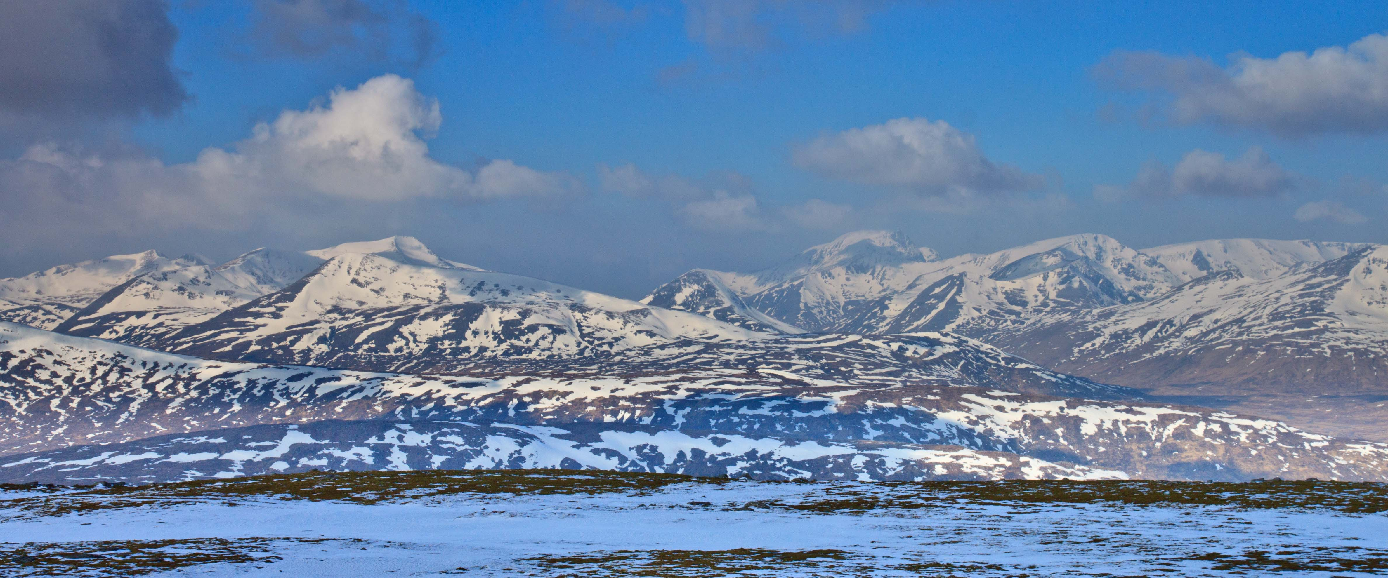 View west from summit Leum Uilleim towards the Mamores, Ben Nevis and Aonoach Mor. March 2015.