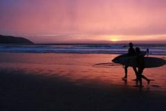 Evening-Surfers-walk-along-Putsborough-beach_06_05_11-3099-12